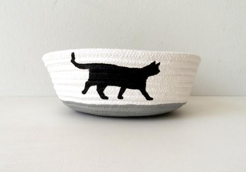 Schale aus Baumwollseil | Caroline Rager | Katze laufend groß