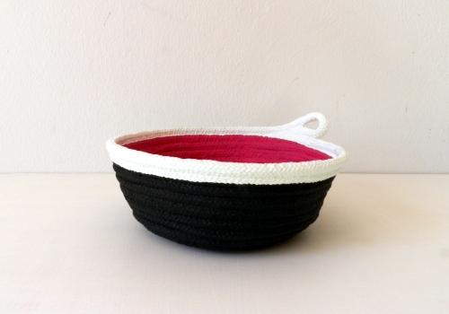 Schale aus Baumwollseil | Caroline Rager | schwarz magenta