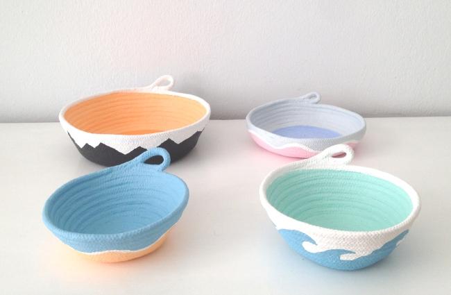 Schalen aus Baumwollseil | Caroline Rager | zickzack wellen orange schwarz blau mint